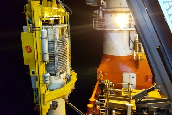Subsea pupm change out system